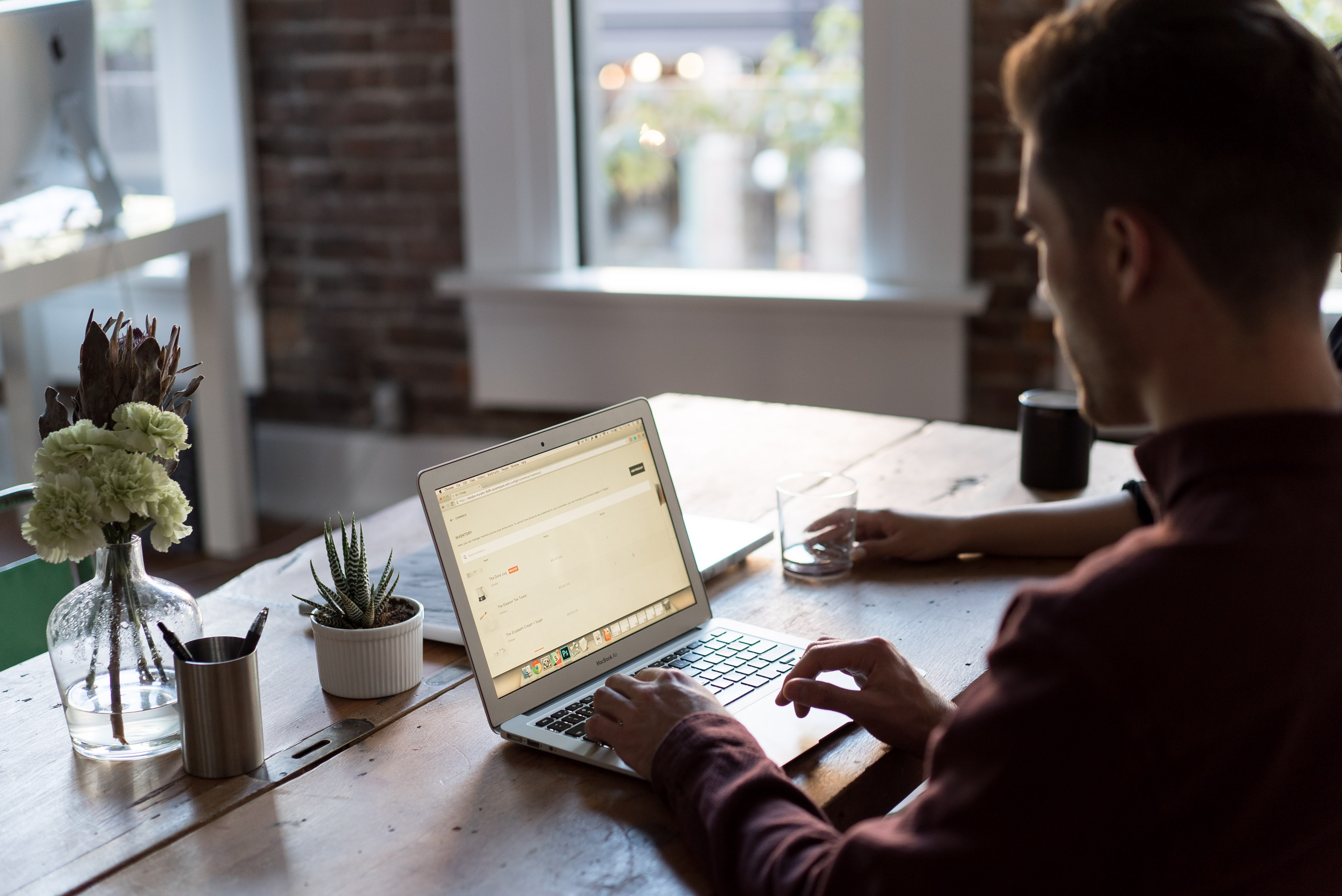 bench accounting 49025 624x417 - Como escrever um CV Perfeito