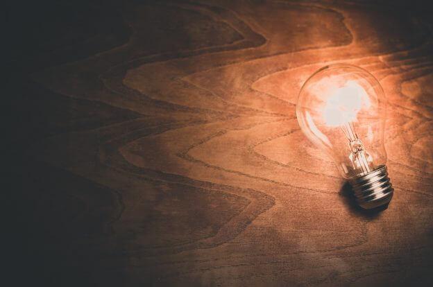 lâmpada luz iluminação escuro escuridão fiilamento