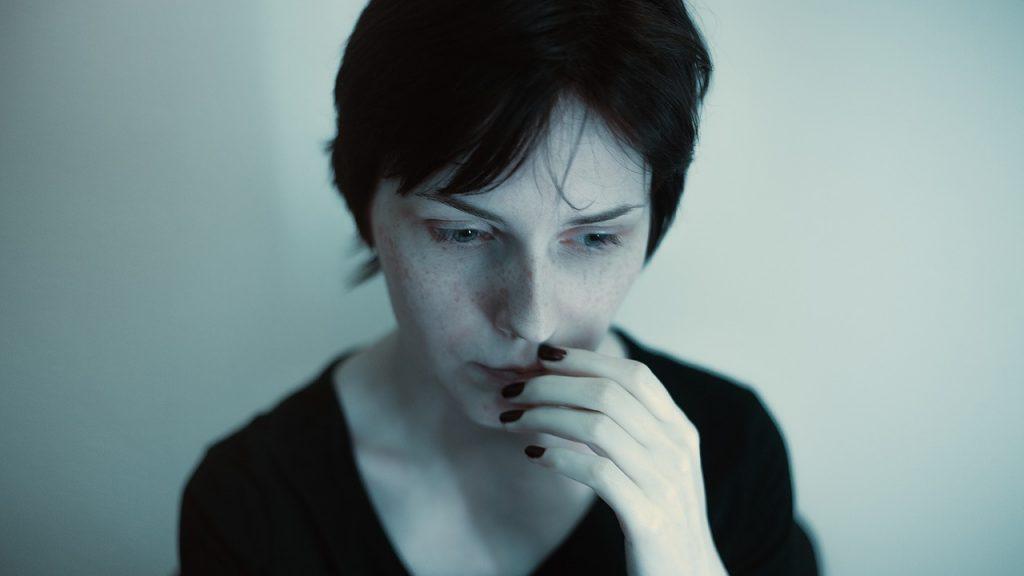 ansiedade depressão nervosismo 1024x576 - Técnica simples para responder à pergunta mais temida: Como falar seus defeitos numa entrevista de emprego?
