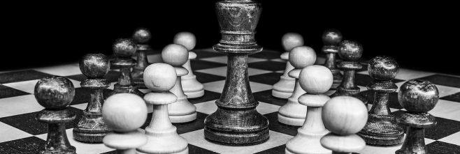 recomendação no linkedin peças xadres dama rei 658x221 - Home -