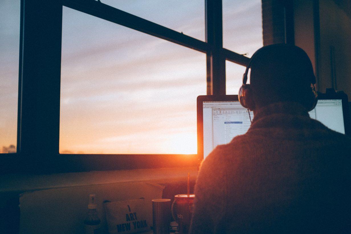 como surgiu janela pôr do sol dia do programador 1232x821 - Por que o Dia do Programador é 13 de setembro?